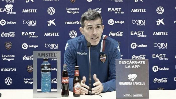 """Muñiz: """"Mis jugadores buscarán hacer a Messi pequeño"""""""