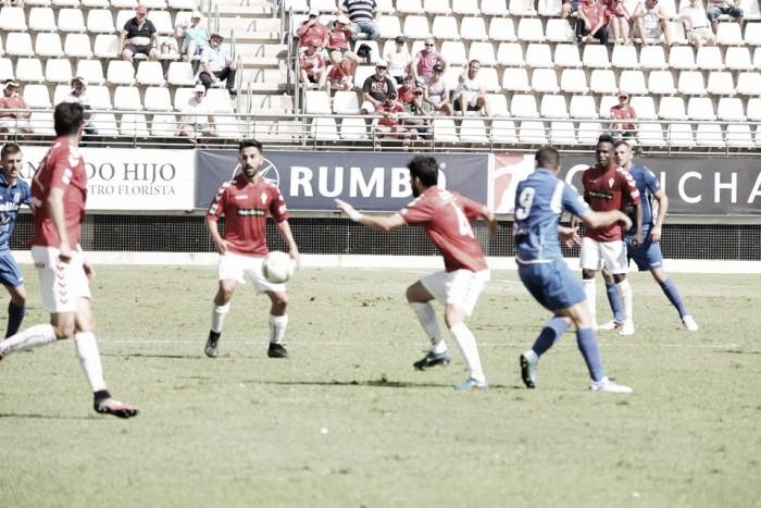 El Melilla exaspera a un Murcia en crecimiento
