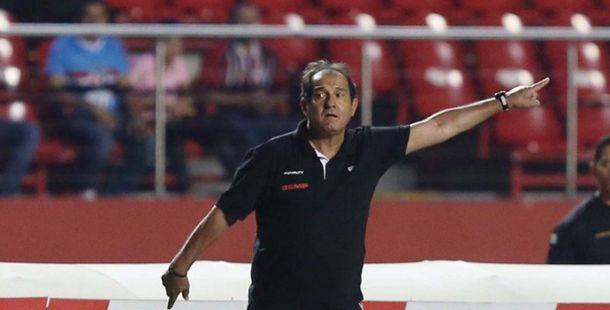 """Muricy se preocupa com vaias para Alexandre Pato: """"Ele precisa ser bem-vindo"""""""