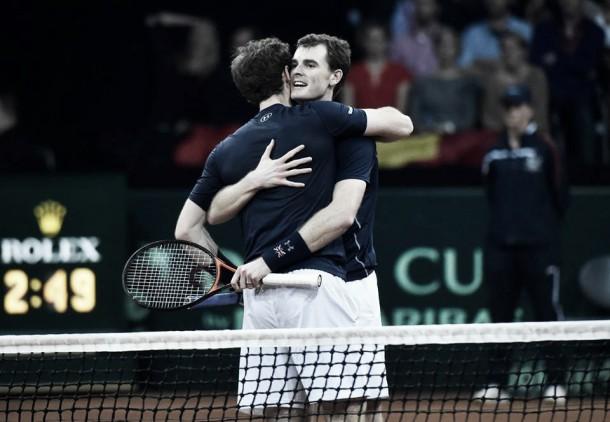 """Davis Cup, Andy Murray: """"Fantastico vincere con Jamie"""". Goffin: """"Non è finita"""""""