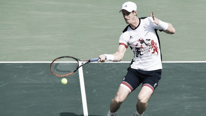 Rio 2016: Andy Murray survives comeback from Steve Johnson to reach the semi-finals