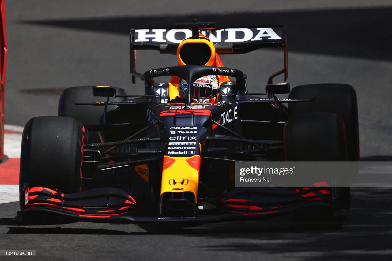 Max Verstappen making statement in FP1 - Baku 2021