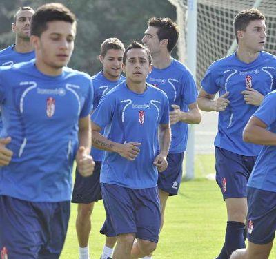 Fabián Orellana, principal ausencia en la vuelta al trabajo del Granada CF