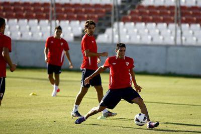 El Sevilla se entrena por última vez antes de partir a tierras gaditanas