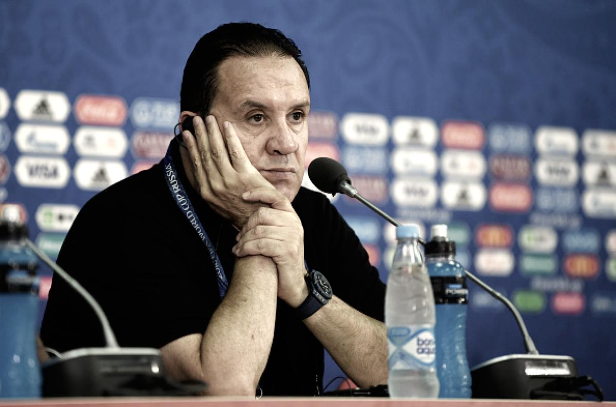 Sincero, Nabil Maâloul não gosta da atuação da Tunísia e pede desculpas a torcedor