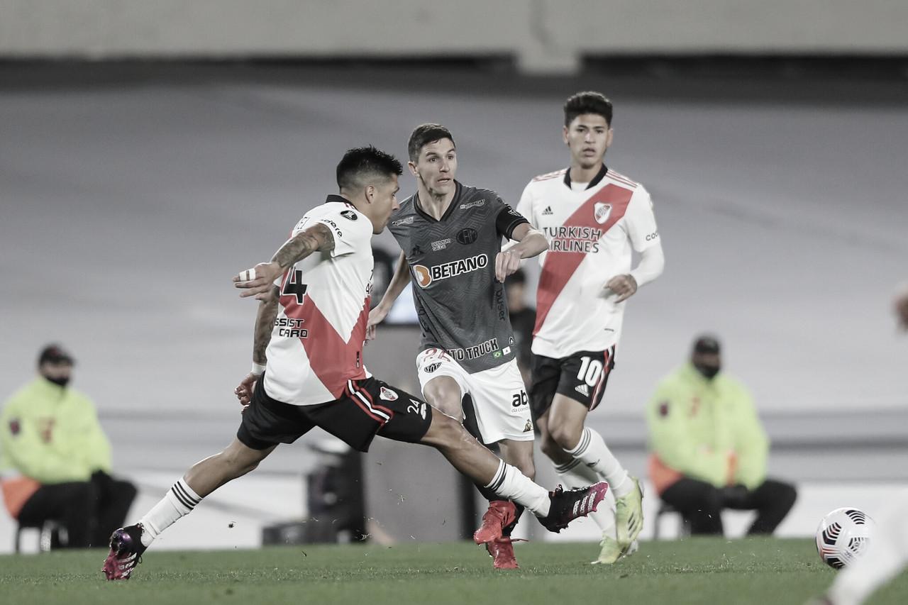 """""""Lei do ex"""" e expulsão: Nacho Fernández protagoniza vitória histórica do Atlético-MG contra o River Plate"""