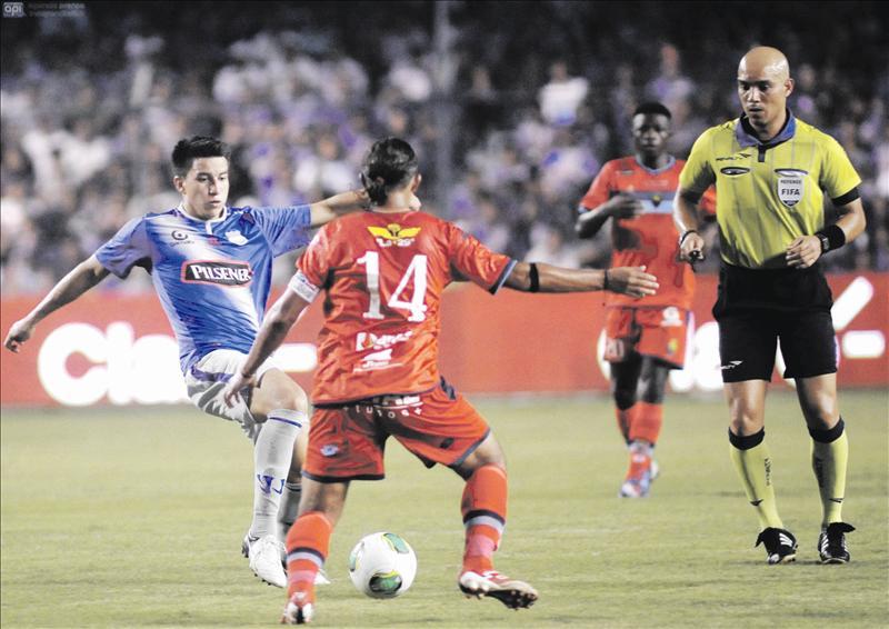 El Nacional - Emelec, sigue el partido minuto a minuto
