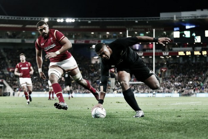 New Zealand 36-22 Wales: All Blacks second-half blitz sees off gallant Welsh in Wellington