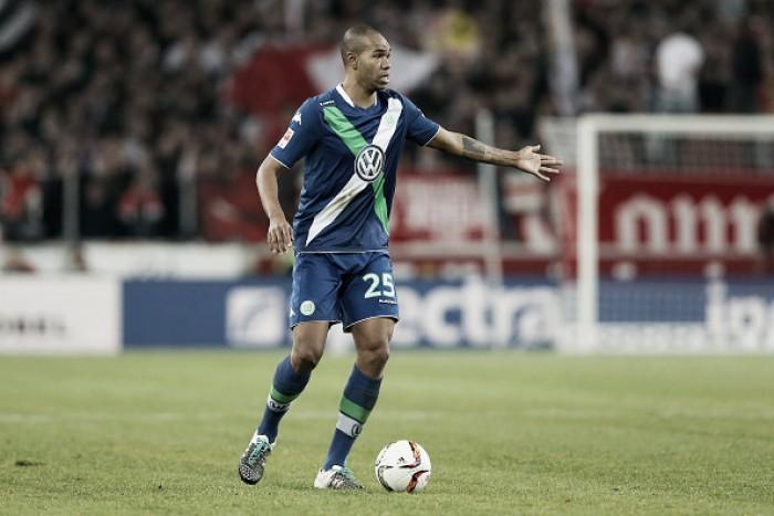 Schalke 04 anuncia a contratação do zagueiro brasileiro Naldo junto ao Wolfsburg