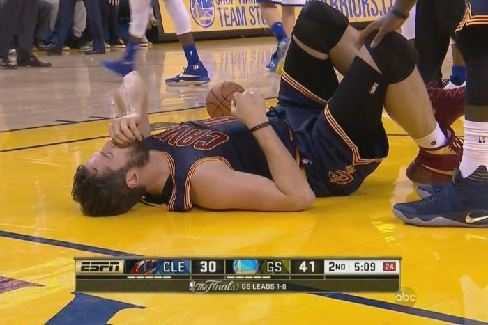 NBA Finals - Piove sul bagnato per Cleveland: Love potrebbe avere una commozione cerebrale