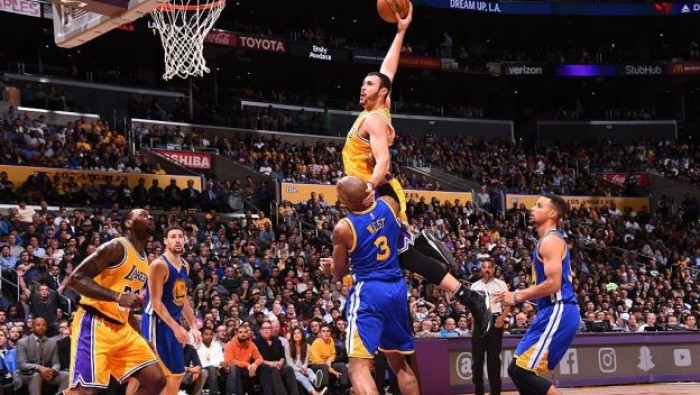 Colpo Lakers su Golden State, Belinelli vince ma delude