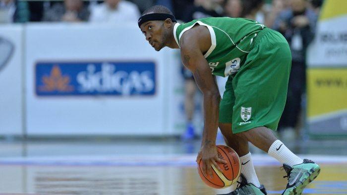 LegaBasket Serie A - Logan, Green e la difesa lanciano Avellino: Sassari al tappeto