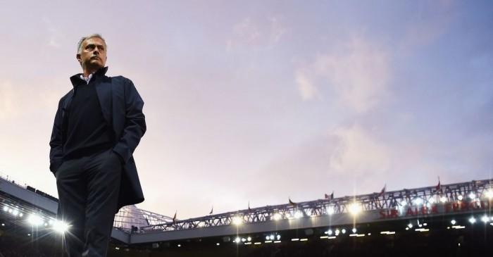 Atentado de Manchester. Final da Liga Europa antecedida de minuto de silêncio