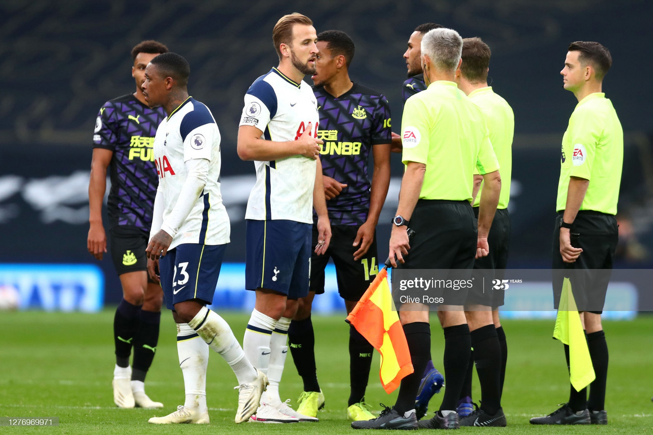 LONDON, ENGLAND - SEPTEMBER 27: Harry Kane of Tottenham Hotspur confronts referee Peter Bankes following the Premier League match between Tottenham Hotspur and Newcastle United at Tottenham Hotspur Stadium on September 27, 2020 in London, England. Sporting stadiums around the UK remain under strict restrictions due to the Coronavirus Pandemic as Government social distancing laws prohibit fans inside venues resulting in games being played behind closed doors. (Photo by Clive Rose/Getty Images)