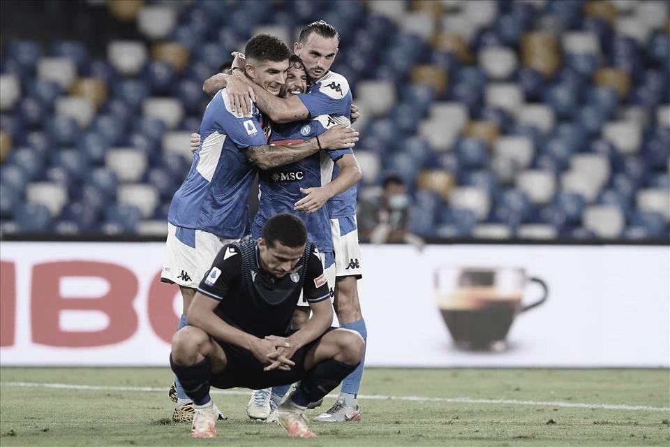 Immobile iguala recorde, mas Lazio perde para Napoli no adeus ao Italiano