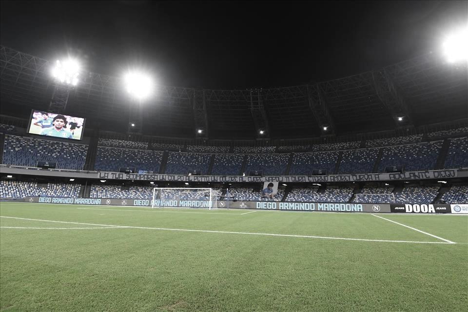 Prefeitura de Nápoles aprova mudança do estádio do Napoli em homenagem a Maradona