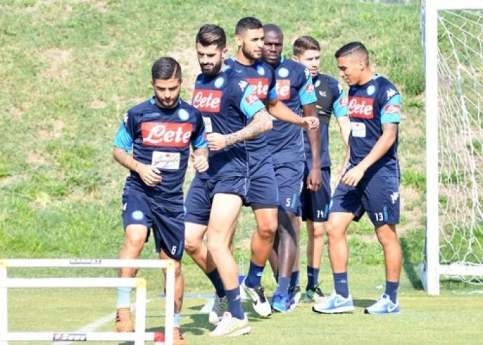 Napoli, le ultime in vista del Cagliari: Albiol in dubbio, Mertens ci sarà