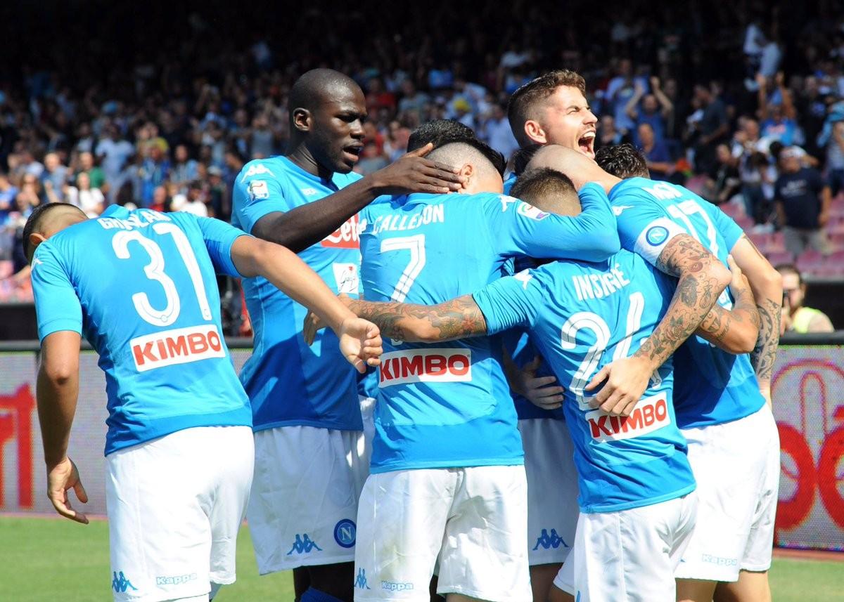 Serie A, manita del Napoli a Cagliari: azzurri a +4 sulla Juve
