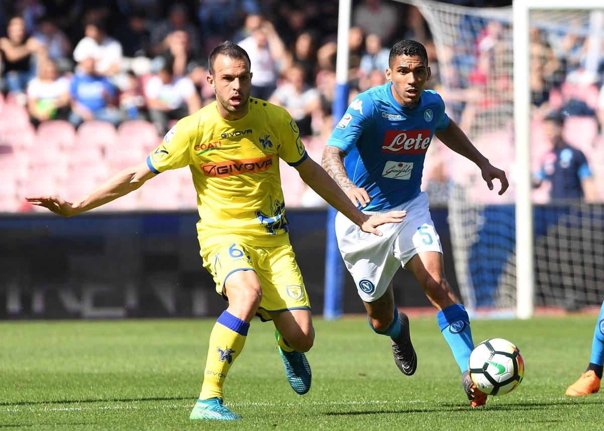 Milik-Diawara, il Napoli ribalta il Chievo in due minuti e torna a sperare