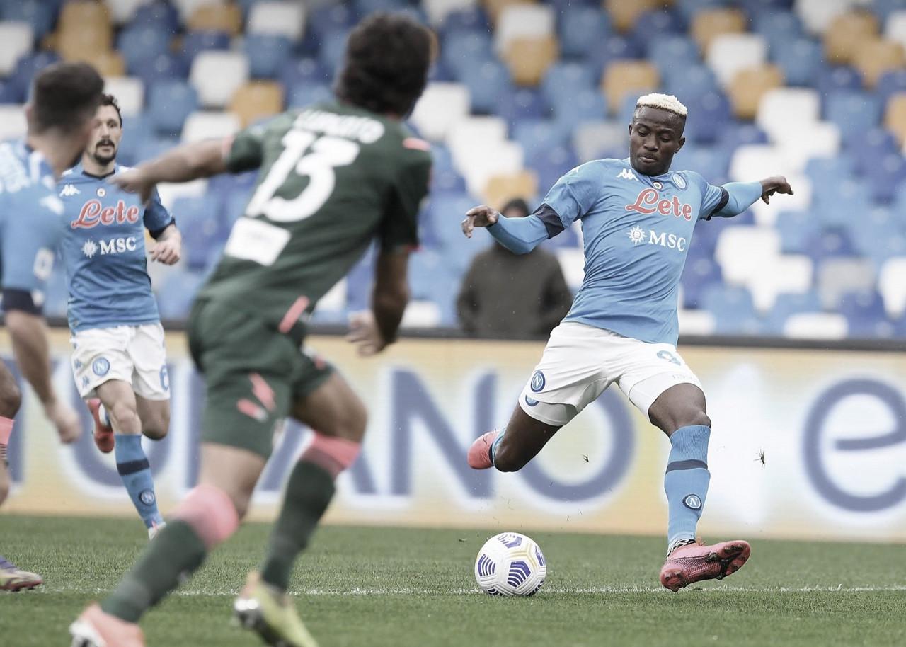 Em jogo de sete gols, Napoli vence Crotone e acirra disputa por vaga na Uefa Champions League