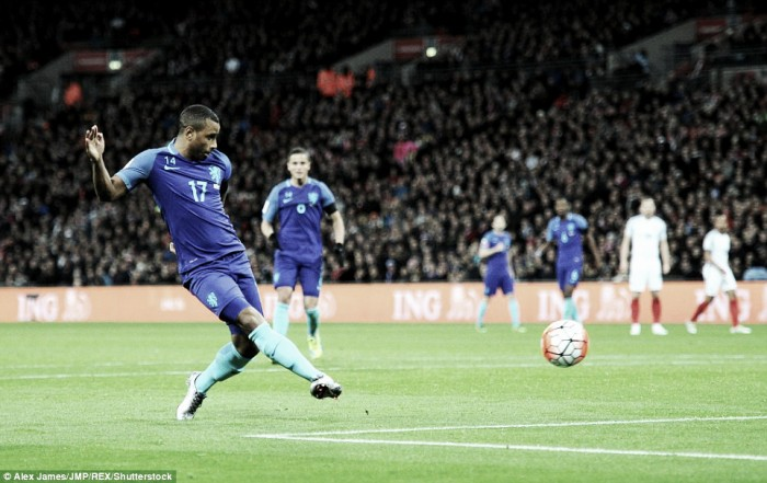 England 1-2 Holland: Narsingh punishes hosts in dull affair