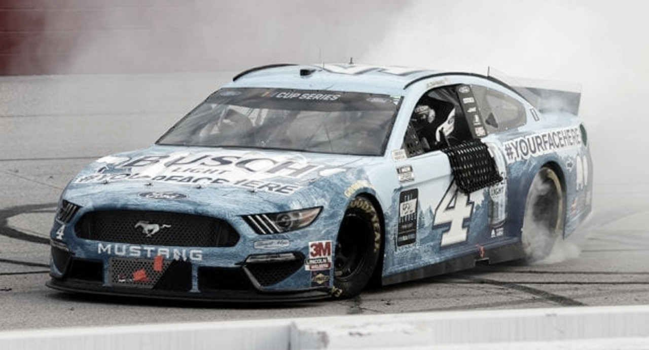 NASCAR Cup: Harvick domina en Darlington