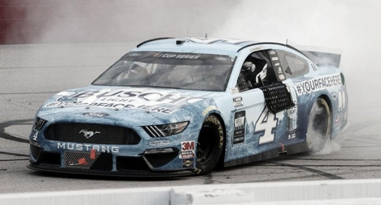 NASCAR Cup: Harvick domina en Darlington