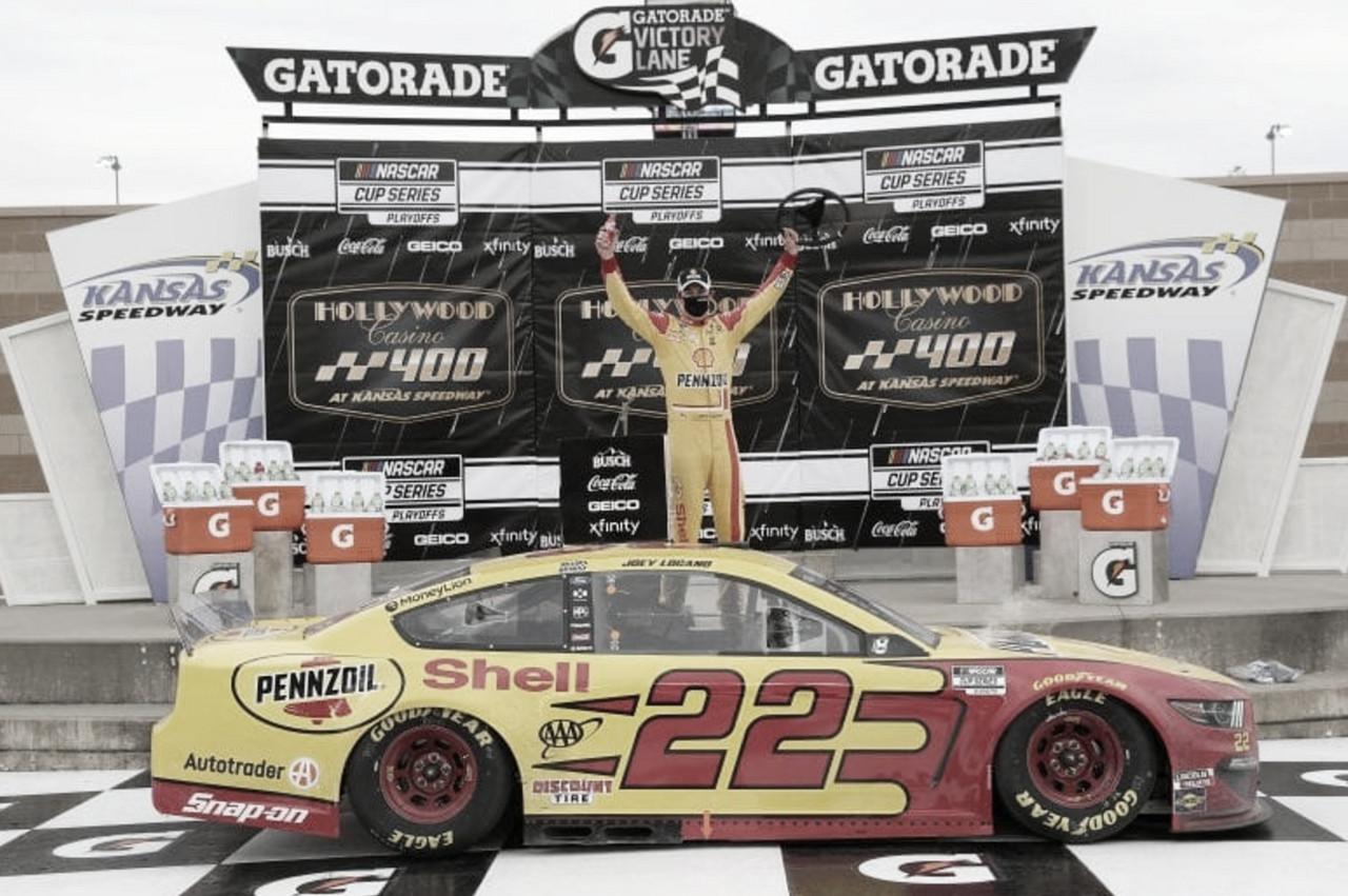 Festejo de Logano en Victory Lane / Foto: NASCAR Website
