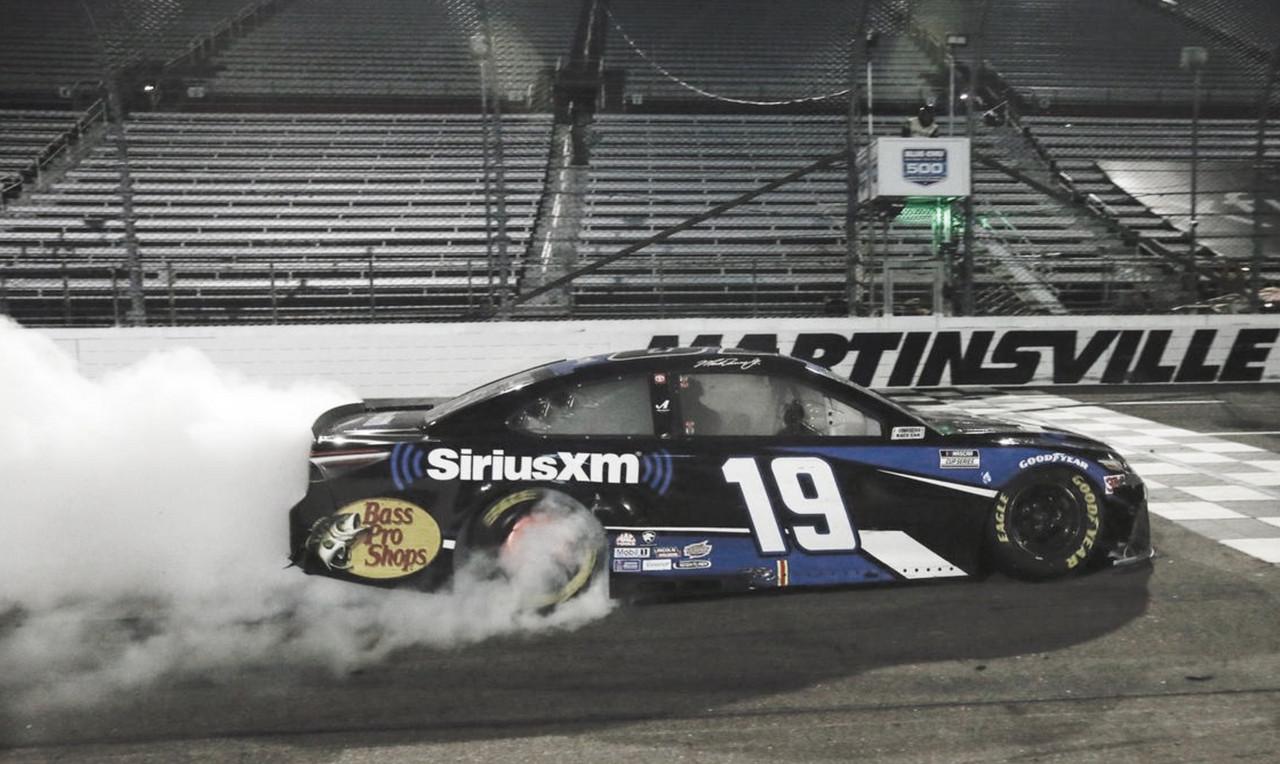 """NASCAR Cup: Truex gana en el """"Paperclip"""""""