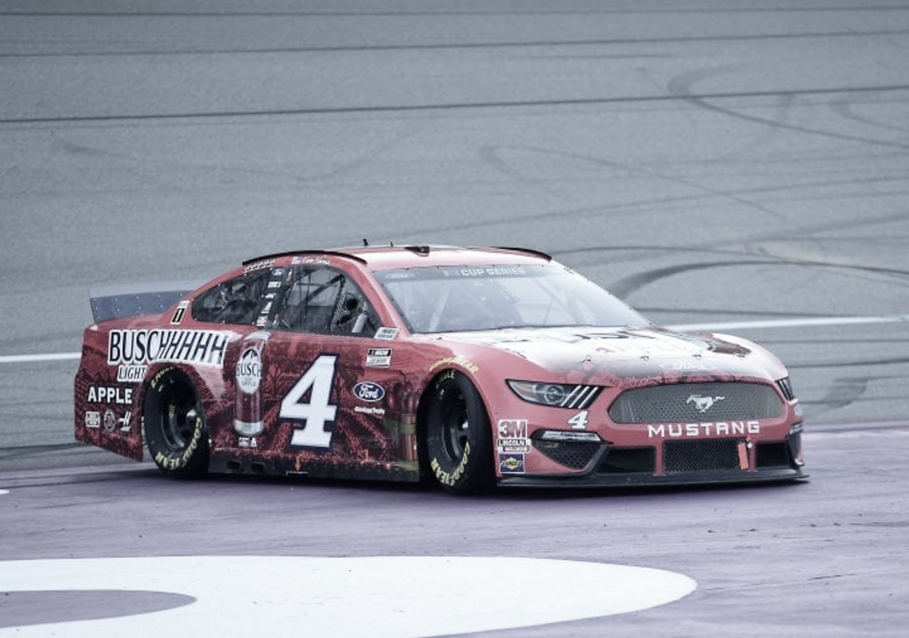 NASCAR Cup: 2 de 2 para Harvick en Michigan