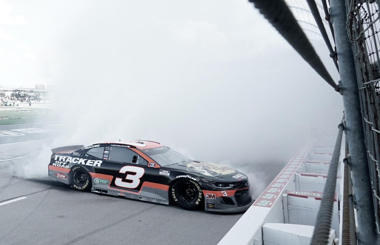 NASCAR Cup: Dillon lidera el 1-2 de RCR en Texas