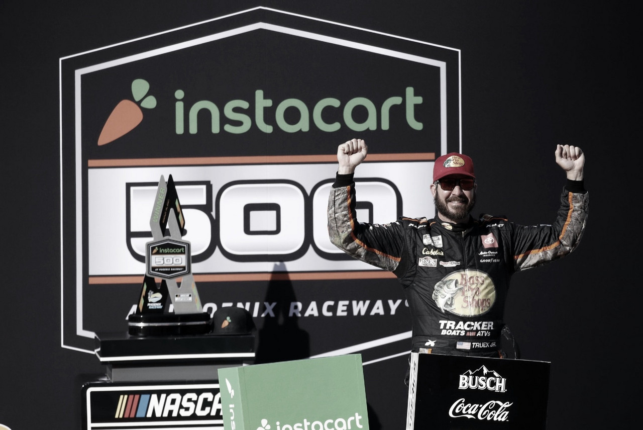 NASCAR Cup: Truex gana en Phoenix