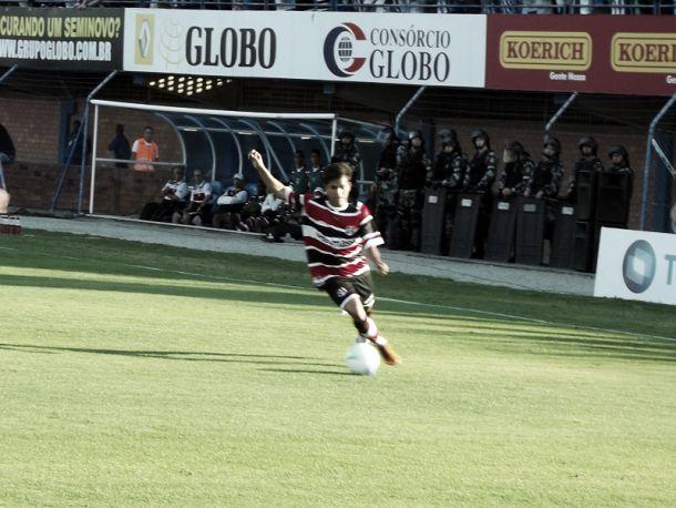 Danilo Pires e Renatinho podem desfalcar o Santa Cruz contra o Atlético-GO