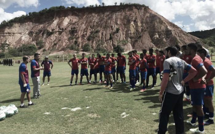 Náutico encerra preparação para jogo contra Londrina com dúvidas no time titular