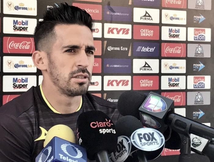 """Fernando Navarro: """"Hay que dar lo máximo ante Santos"""""""