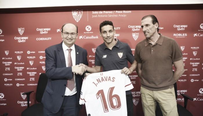 """De volta ao Sevilla, Jesús Navas exalta relação com torcida e garante: """"Darei tudo por eles"""""""