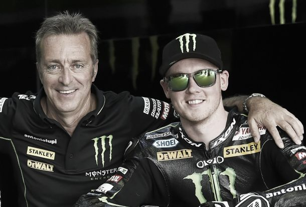 Bradley Smith continuará en el equipo Monster Yamaha Tech3 un año más
