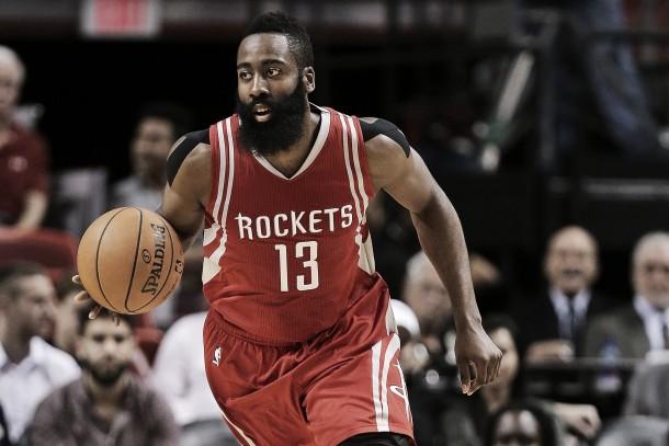 Rockets vence Knicks na prorrogação