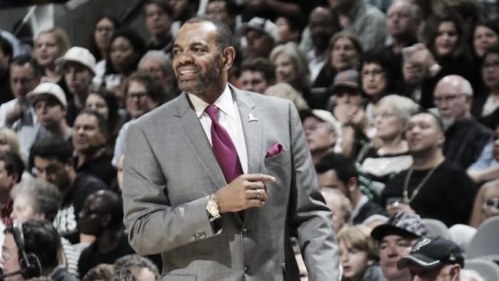 Brooklyn Nets demite treinador Lionel Hollins e afasta General Manager Billy King