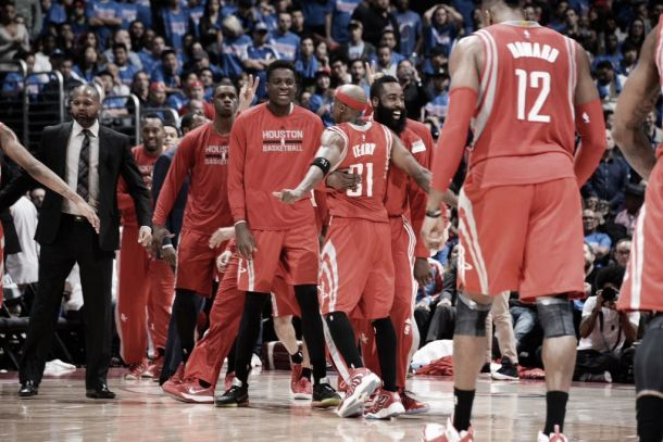 Com virada épica, Houston Rockets vence Clippers em Los Angeles e força jogo 7