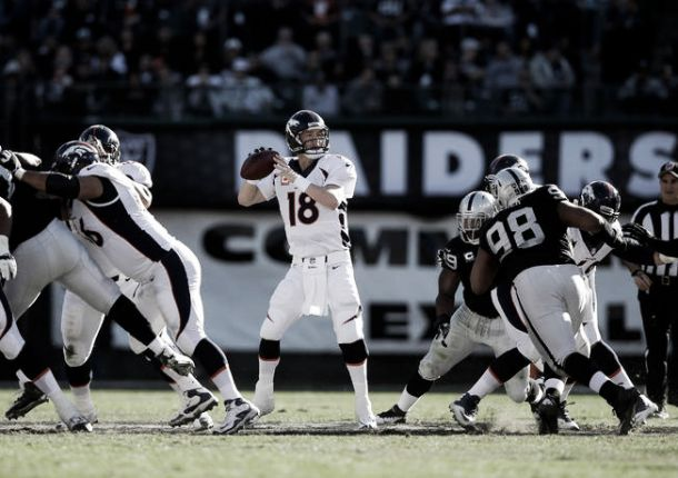 Manning orquesta el triunfo de los Broncos en Oakland