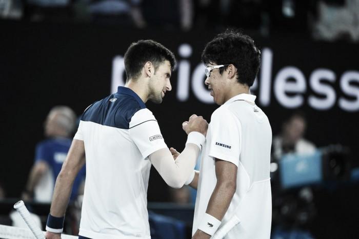 Tennis, operazione al gomito per Djokovic: quali tempi di recupero?