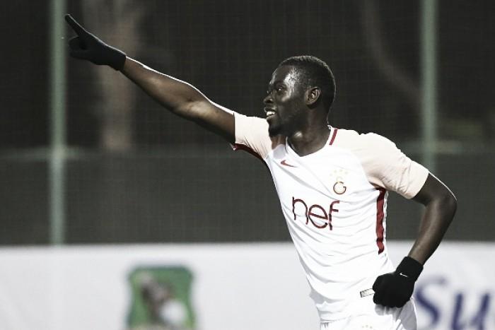 Ex-Galatasaray, meia Ndiaye é anunciado no Stoke City durante intervalo contra Watford