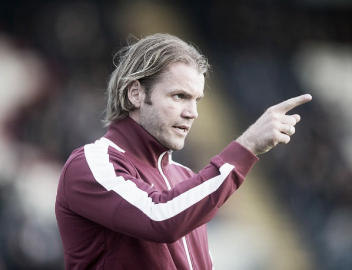 Técnico do Hearts busca repetir início de temporada com sucesso do Aberdeen