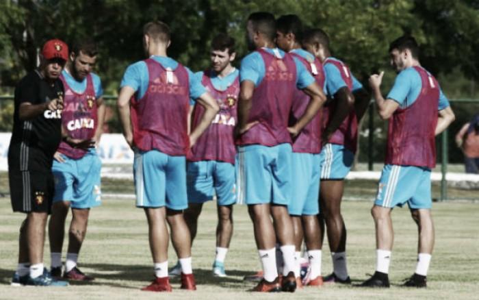 """Nelsinho destaca escolha por Índio como titular no Sport: """"É jogador para o time"""""""