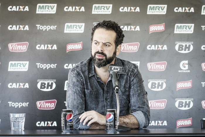 Daniel Nepomuceno fala sobre cobranças e dá voto de confiança aos jogadores
