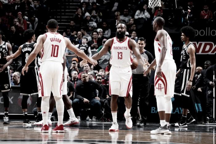 Unos efectivos Rockets ganan en New York