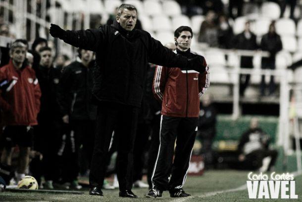 El Córdoba CF destituye a Miroslav Djukic