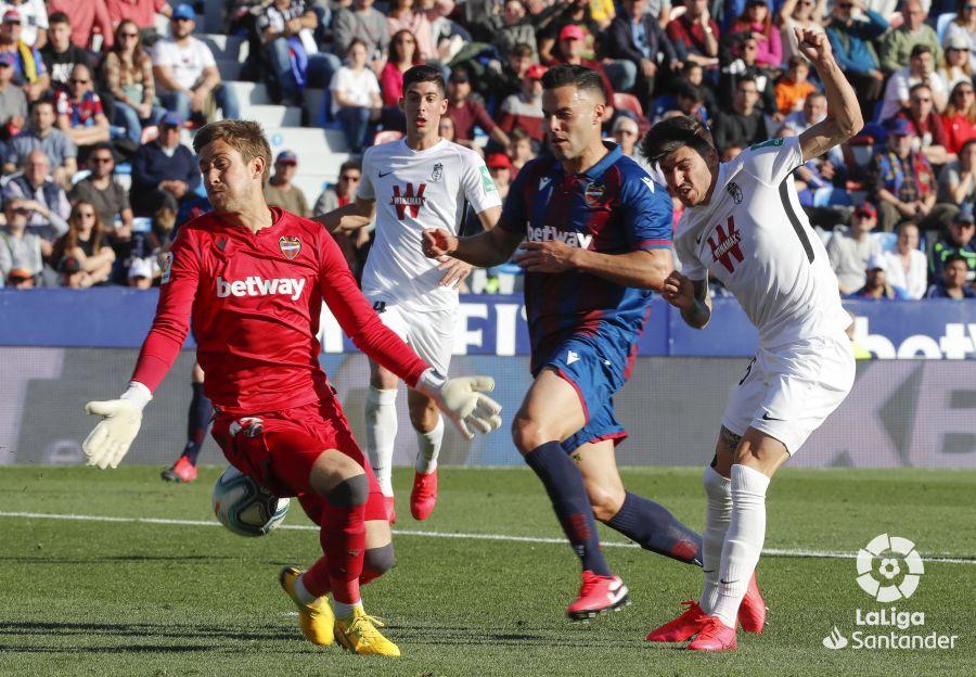 Reacción brava del Granada CF para empatar con el Levante