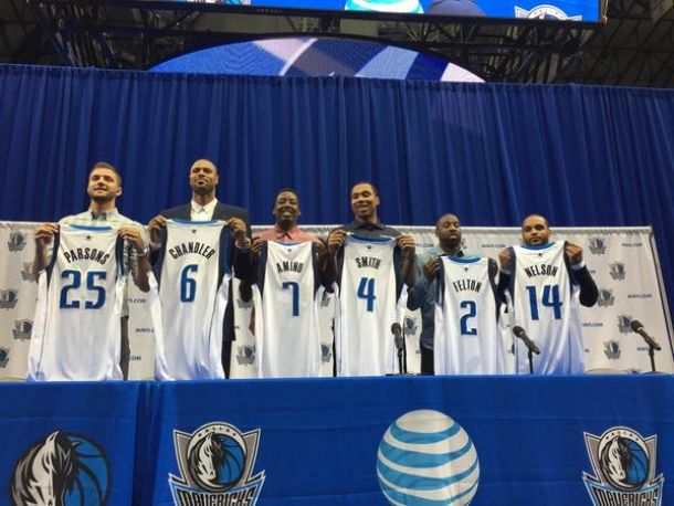 5fd9230b025d Dallas Mavericks Hold Press Conference To Introduce New Player Acquisitions